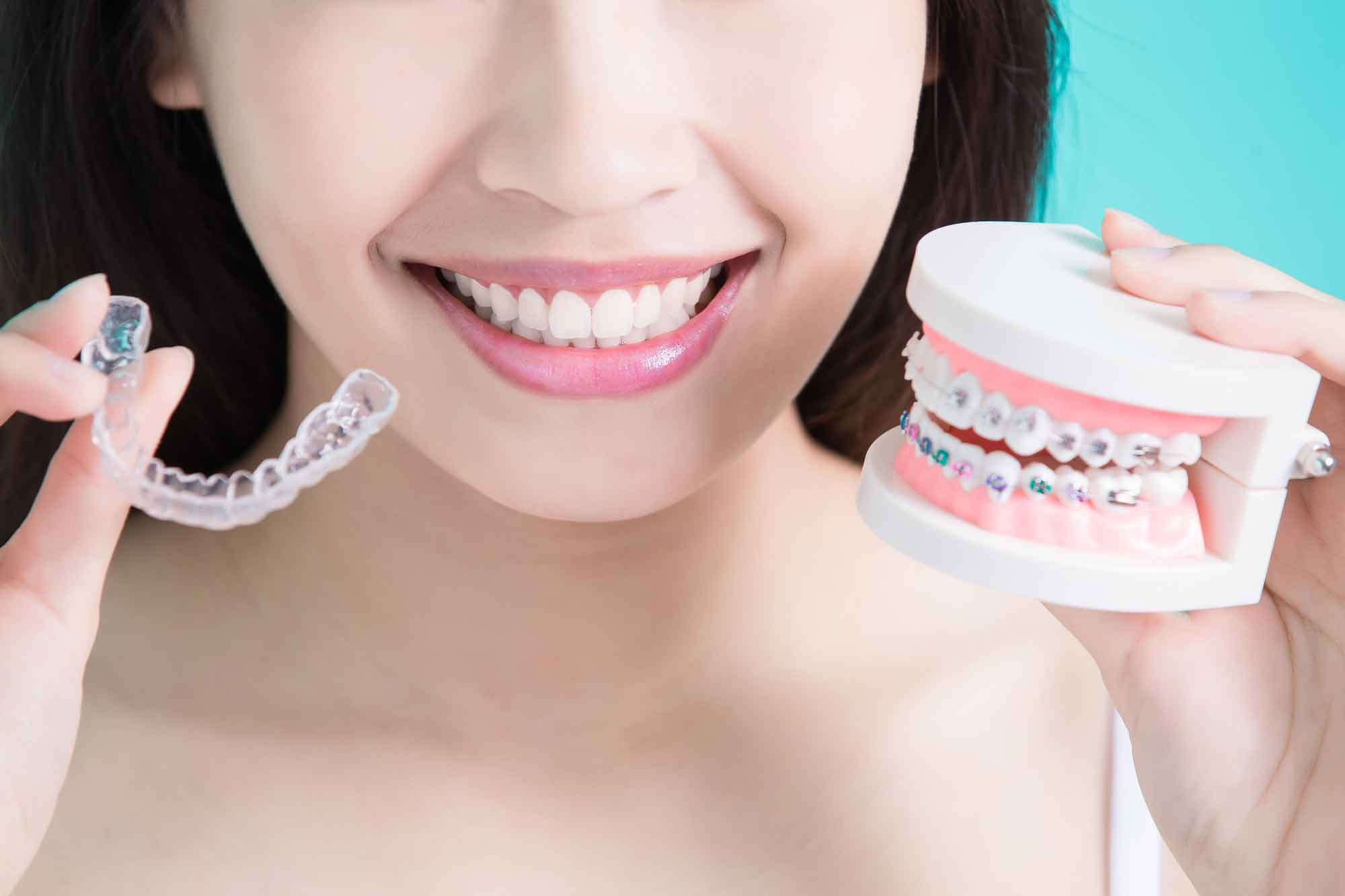 teen choosing Invisalign or braces treatment